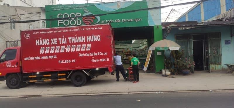 Vận chuyển hàng hóa tại siêu thị Coop Food 2