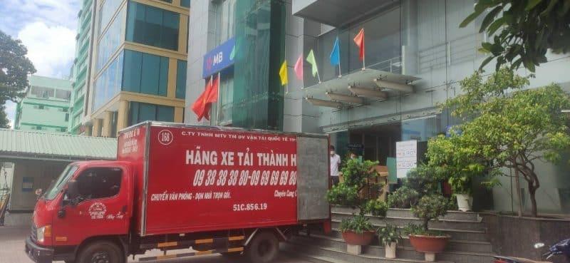 Thành hưng vận chuyển văn phòng cho MB Bank và Shinhan Bank 1